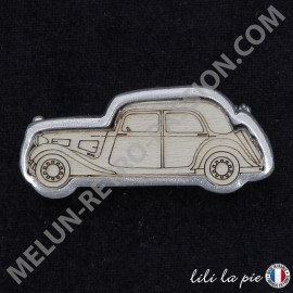 Broche Citroën Traction, Auto - Fond argent,...